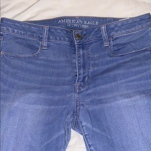 Medium Blue Wash American Eagle Jeans